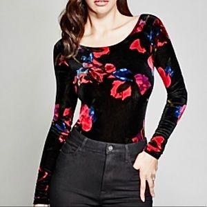 🌺 NWOT Marciano Floral Velvet Bodysuit